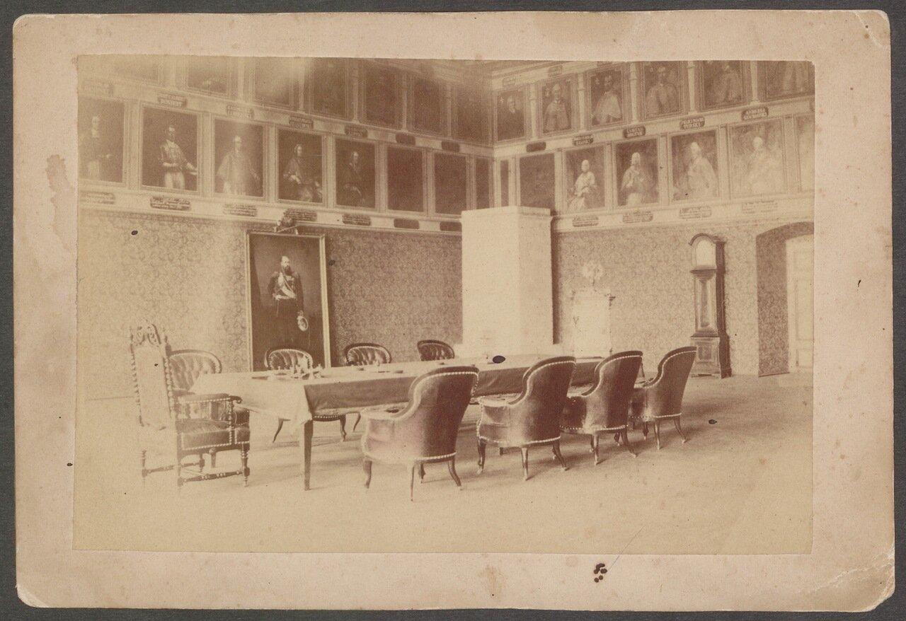 Портретный зал в губернаторском доме в Кельце