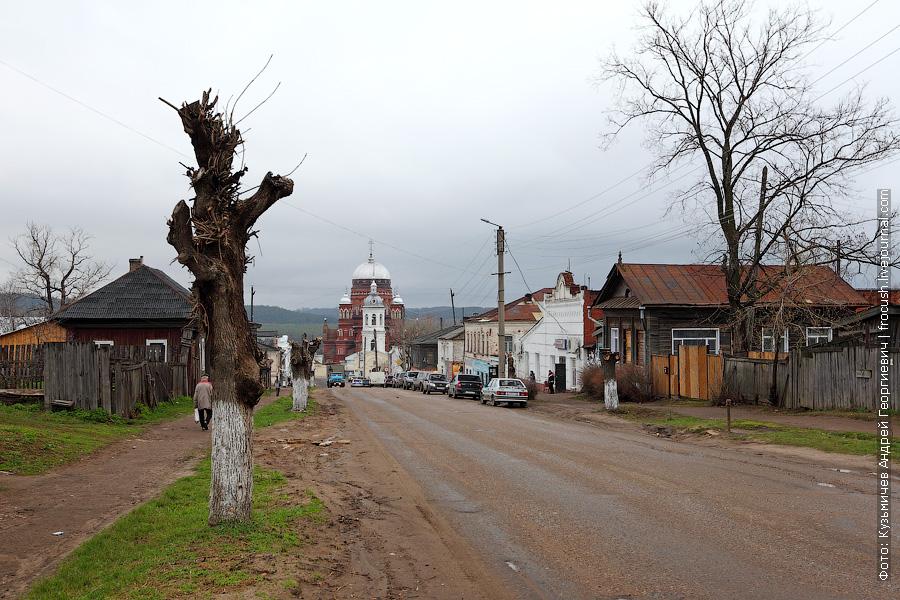 Улица Чернышевского и Свято-Троицкий собор