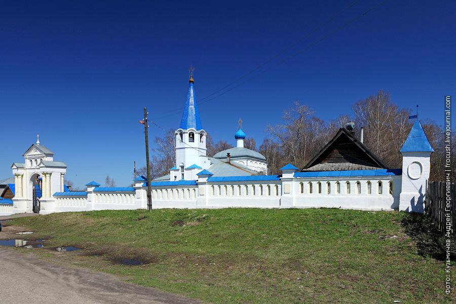 Покровская кладбищенская церковь города