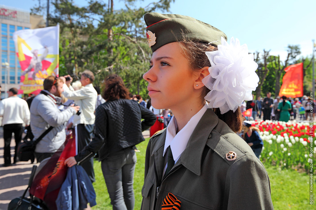 У памятника «Защитникам красного Царицына и Сталинграда» детский почетный караул