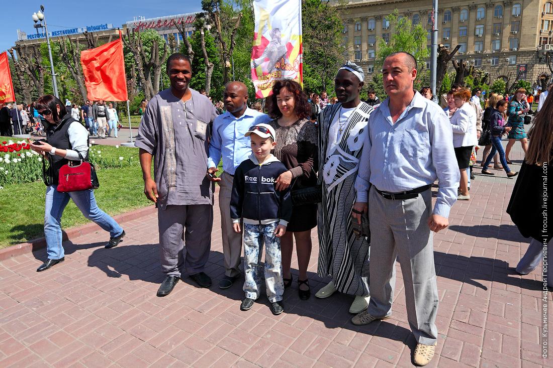 площадь Павших Борцов Волгоград празднование Дня Победы 9 мая