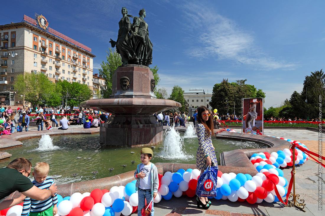 Волгоград День Победы фонтан Искусство