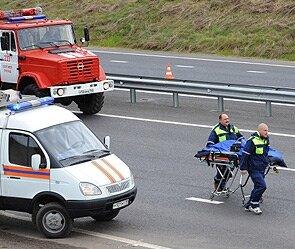 Авария на дороге — водитель в тяжелом состоянии