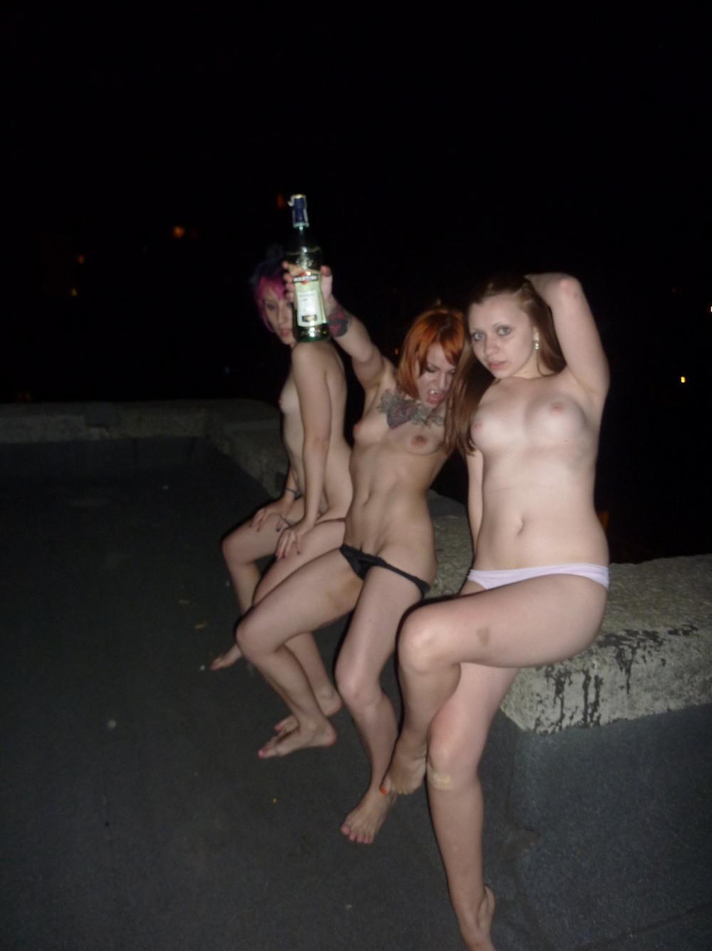 когда она откровенные фото пьяных предложили контракт, который