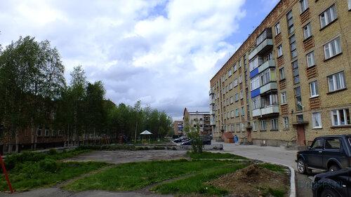 Фото города Инта №4580  Западная сторона Куратова 34 18.06.2013_13:31