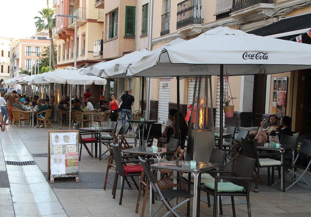 Малага. Улица Алькасабилья (Calle Alcazabilla)