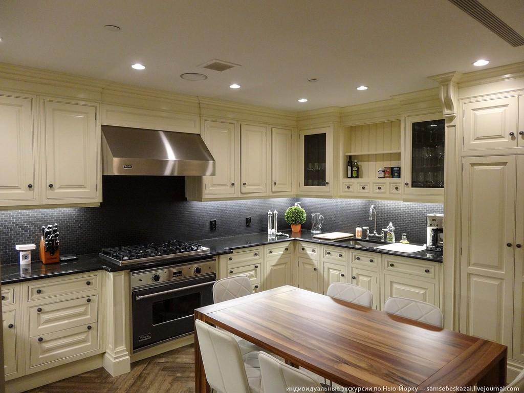 Кухня на фото выглядит ничего, а в описании агента она просто само совершенство, но по факту ее хоче