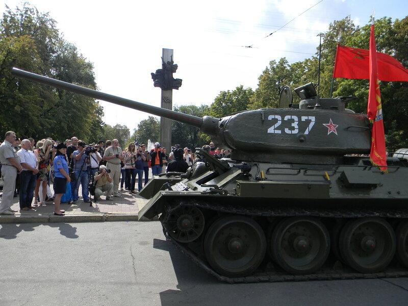 03-09-13 70 лет освобождения Луганщины от немецко-фашистских захватчиков