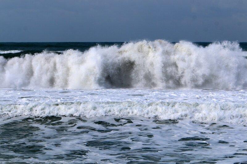 шторм на Средиземном море у берегов Израиля