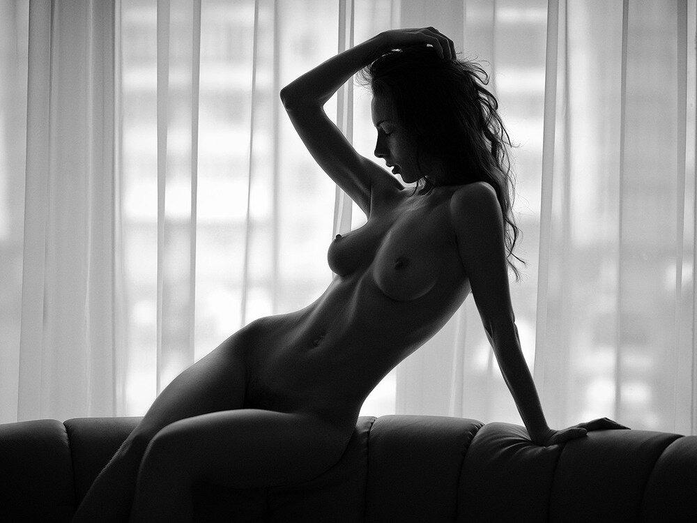 Эротические черно белые частные фото девушек, нежный минет любимому мужу россия