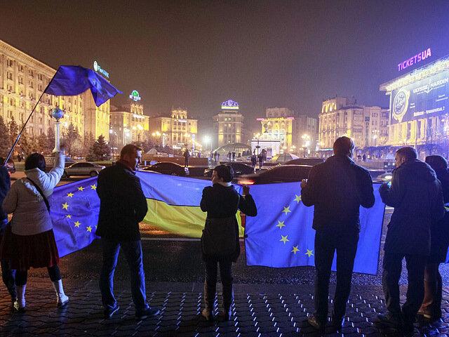 На Евромайдане нет агрессии и пока всё в рамках закона