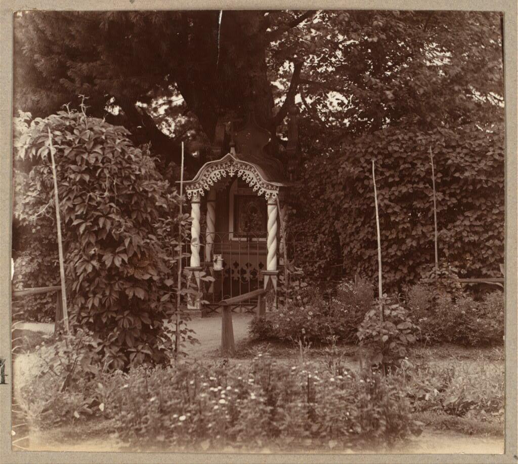 Место явления иконы Толгской Божией Матери в Кедровой роще. 1910.
