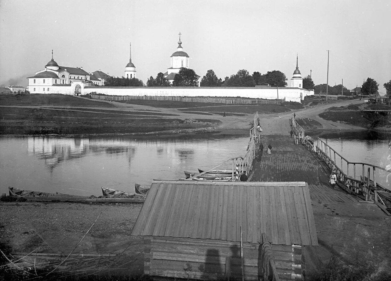 Отроч мужской монастырь. Вид из-за реки Тверцы. 1903 г.