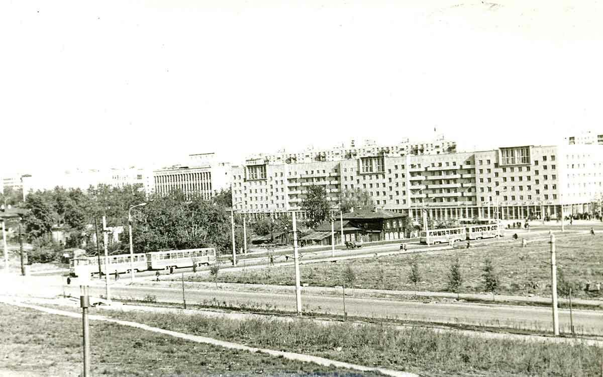 Вид на перекресток ул.Ленина и ул.Борчанинова со Слудской горки