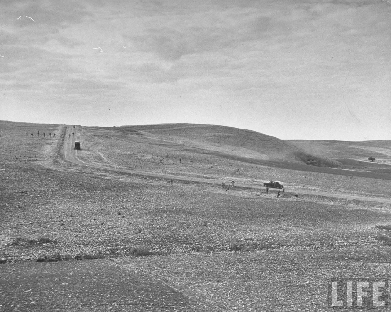 1948. На тайных сборах в горах «Хагана» тренируется атаковывать конвои