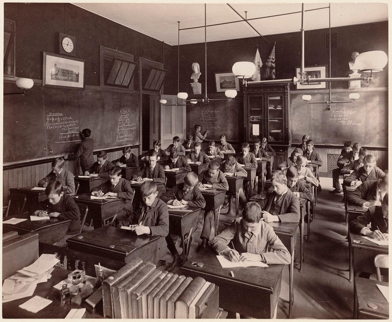 1893. Английская школа, классы