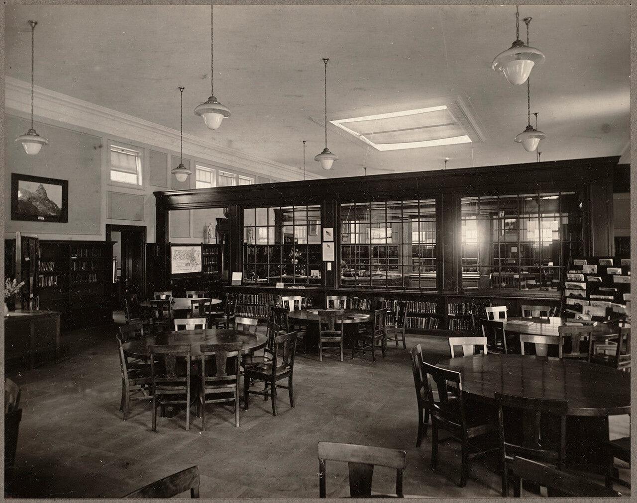 Бостонская публичная библиотека. Западное крыло Роксбери. Детский зал