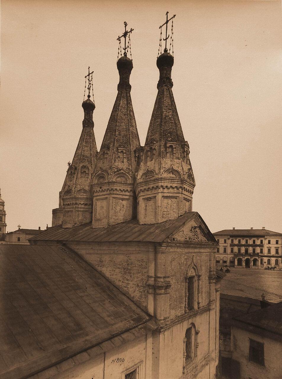 Вид на шатровые главы собора в монастыре Иоанна Предтечи