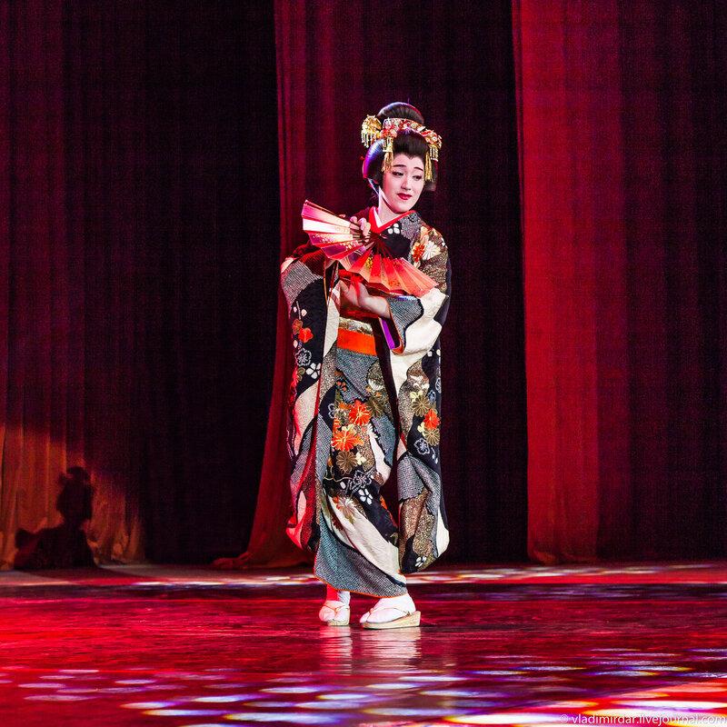 Японский традиционный танец Нихон-буё