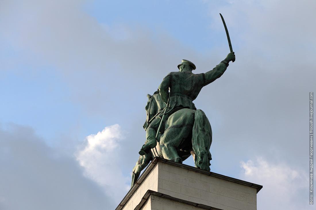 шлюз №15 скульптура «Донские казаки»