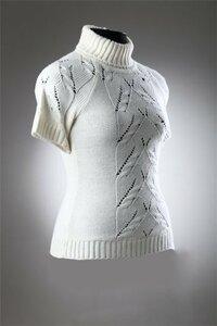 """""""Белый барс"""" для офиса - свитер спицами"""