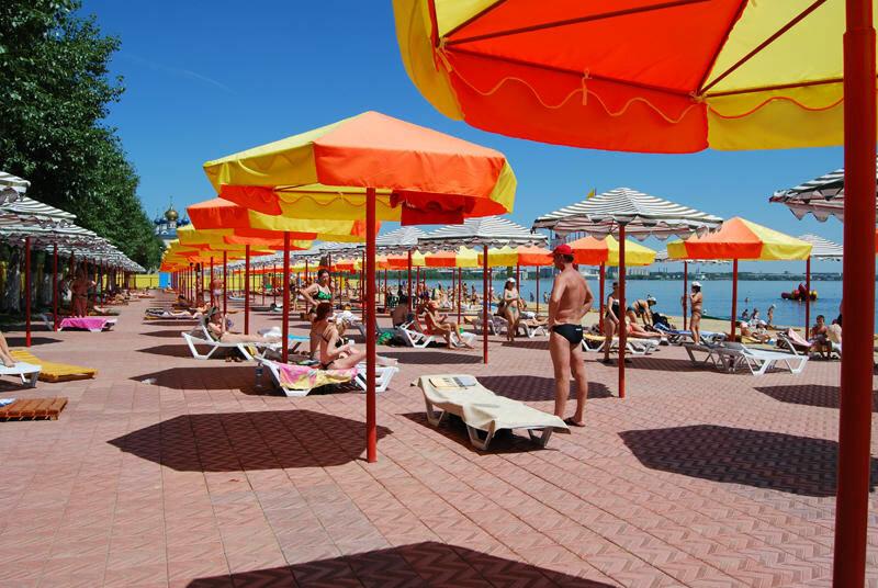 Пляж комфортно обустроен (24.06.2013)