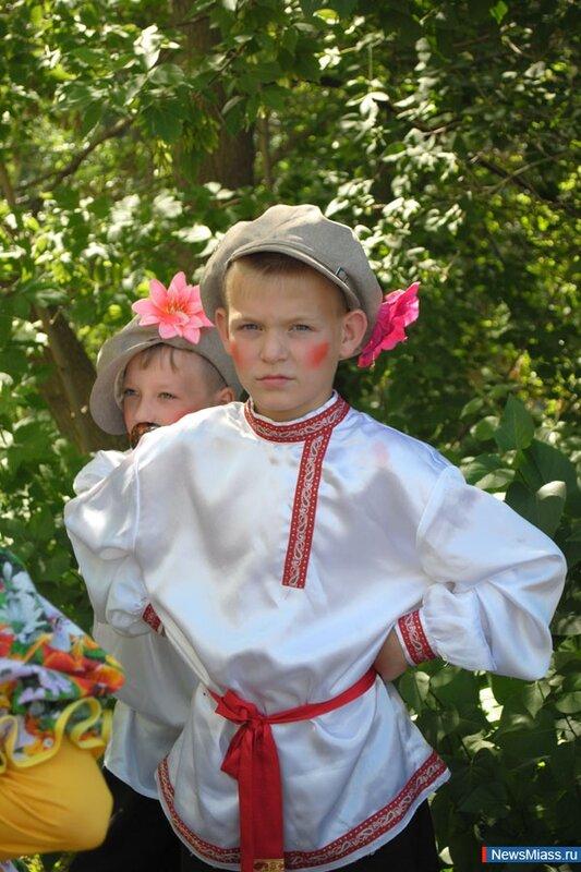Детский творческий ансамбль (02.07.2013)