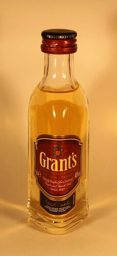 Виски Grants Blended Scotch Whisky The Family Reserve