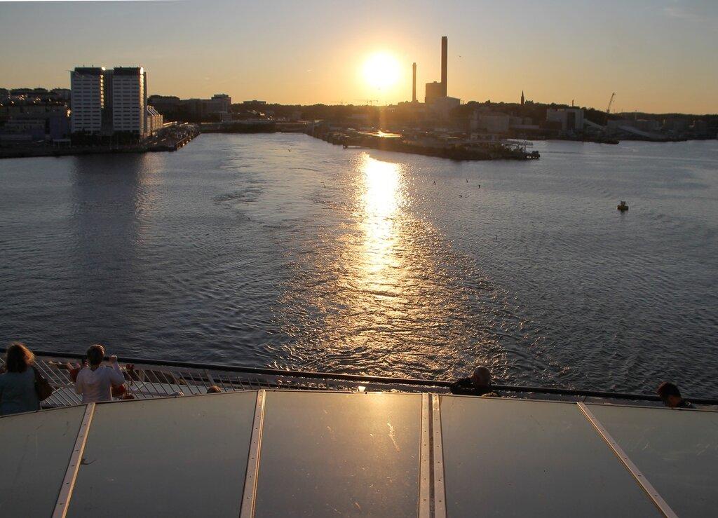 Паром Silja Galaxy Ferry. Stockholm. Seaport. Стокгольм, порт
