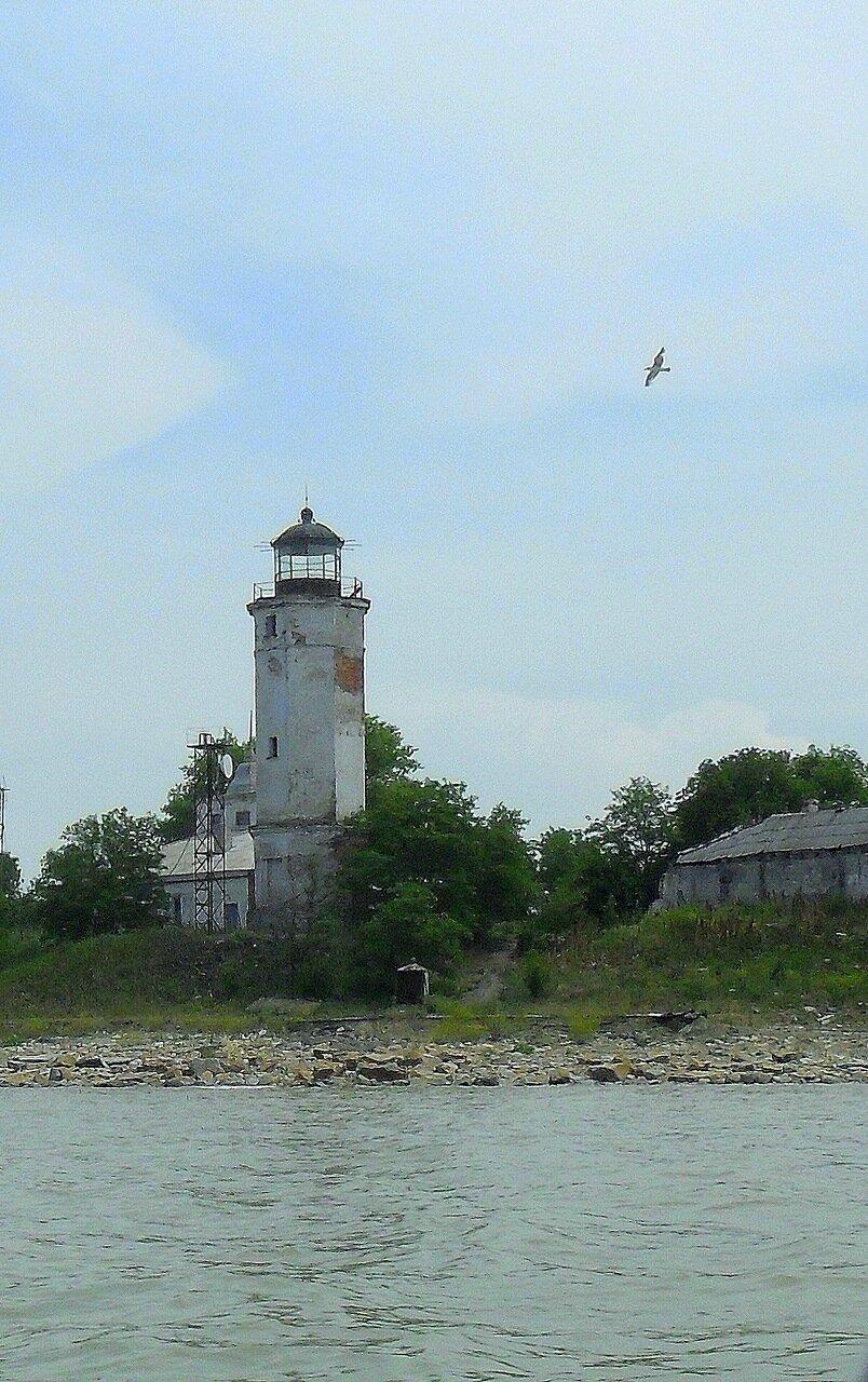 В июне, прохождение маяка