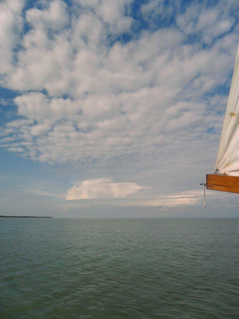 В походе, облака