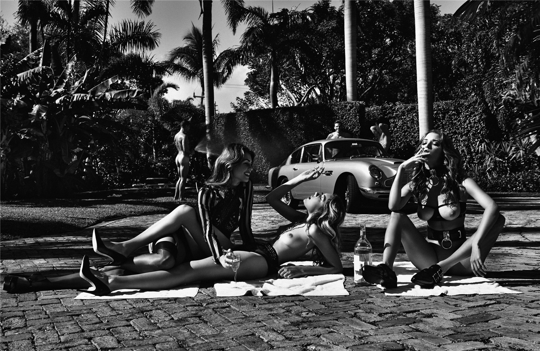 Отдых с сексуальными девушками / Alyssa Arce, Alice Auffray, Adriana by Leonardo Corredor