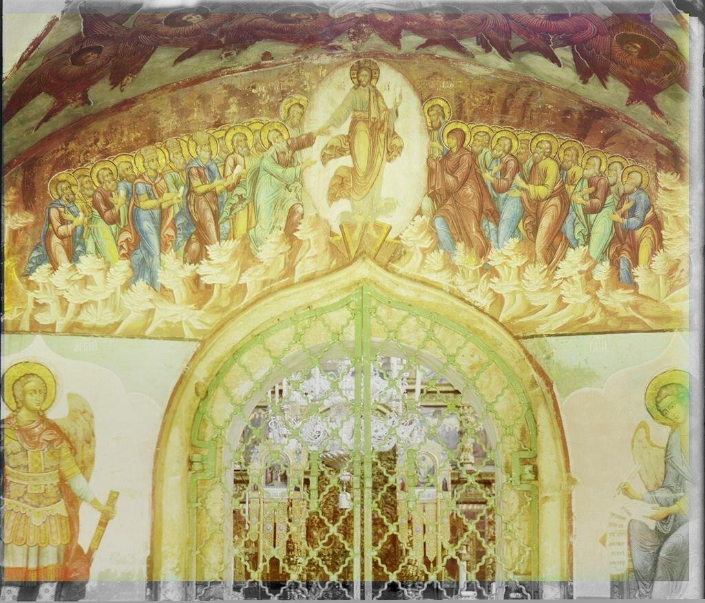 Роспись над западным входом в центральный храм церкви Иоанна Златоуста из галереи (паперти). Ярославль, 1911 г.