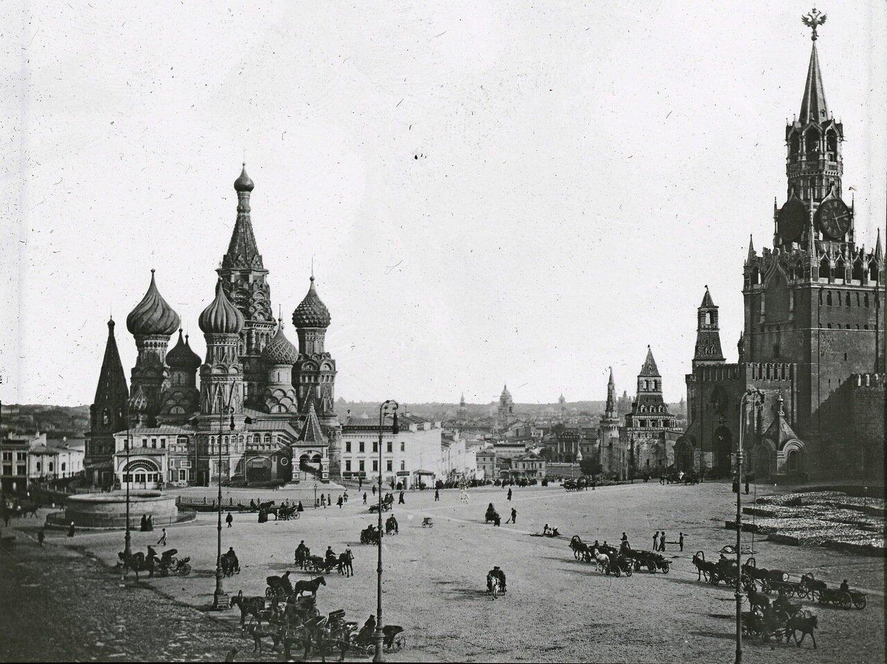 Собор Василия Блаженного и Спасская башня Кремля