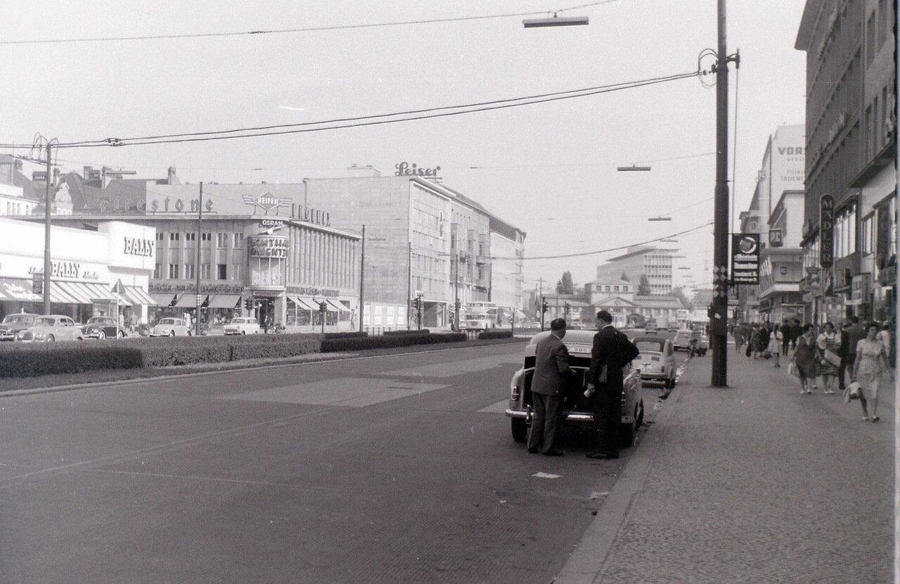 12 сентября 1959. Тауэнтцинштрассе, Западный Берлин
