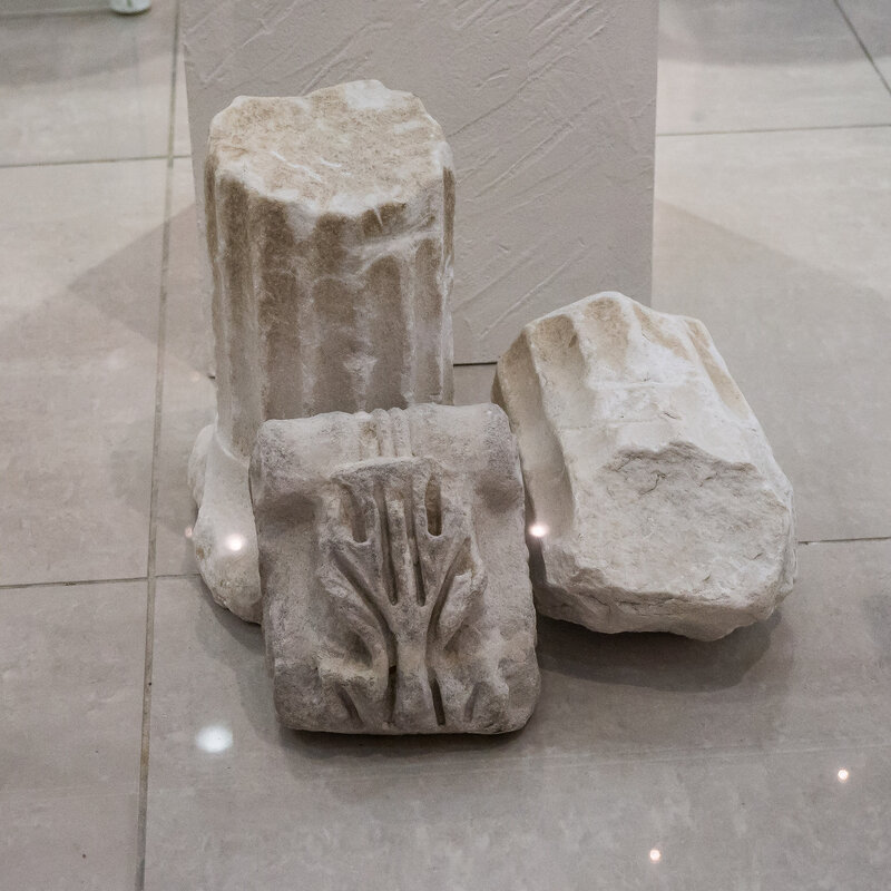 Мраморные детали колонн