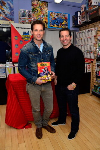Peter Facinelli & Rob DeFranco Sign Copies Of