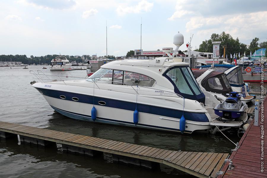 Моторная яхта Bavaria 37 Sport HT