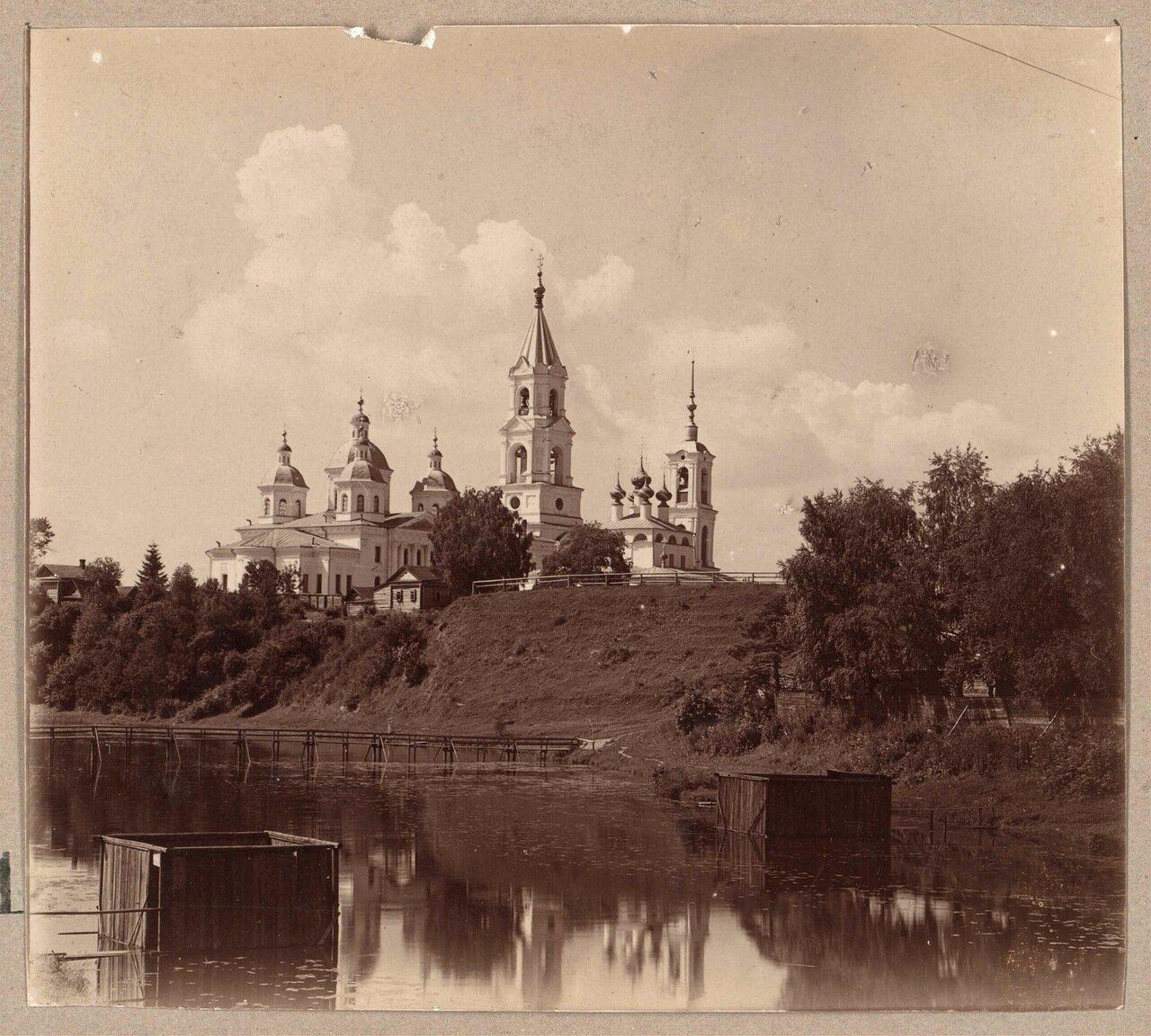 Воскресенский и Успенский соборы. Кашин. Река Кашинка