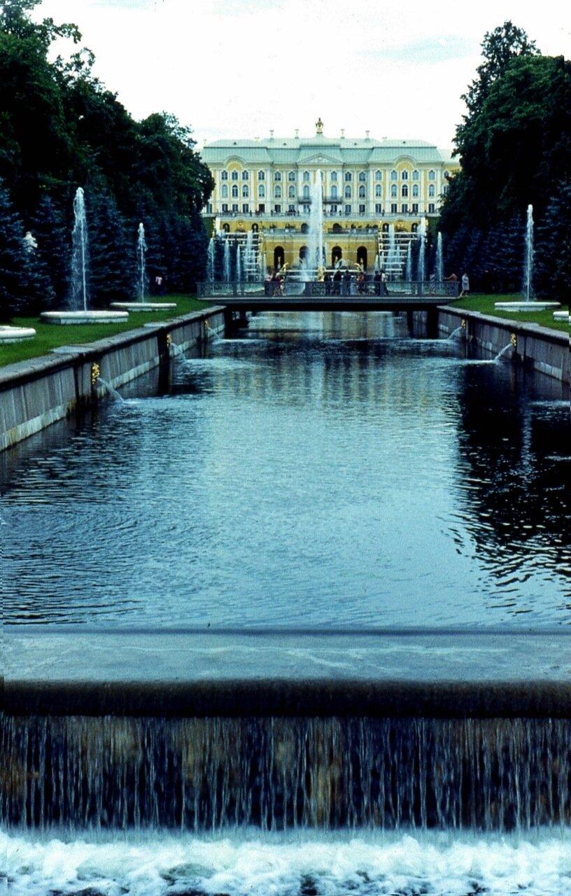 33.  Морской  канал  и  Большой  дворец