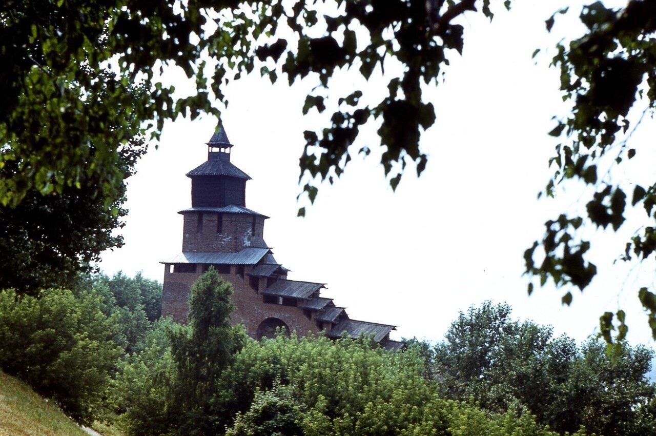 33.  Часовая  башня