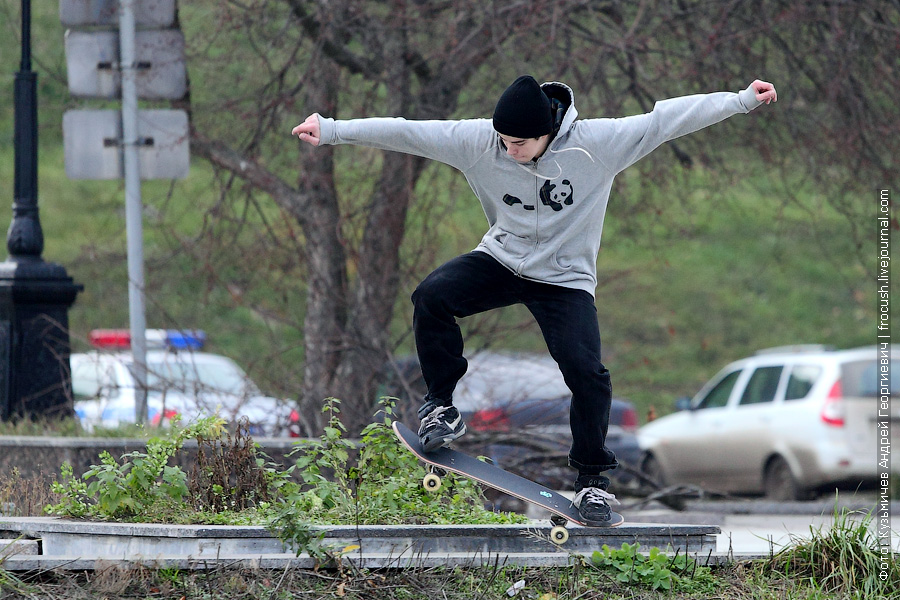 скейтер на речном вокзале Ярославля