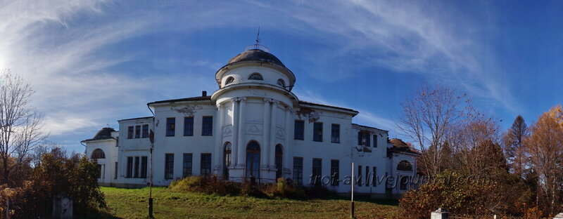 Усадебный дом с тыла, Усадьба Любвино, Тучково