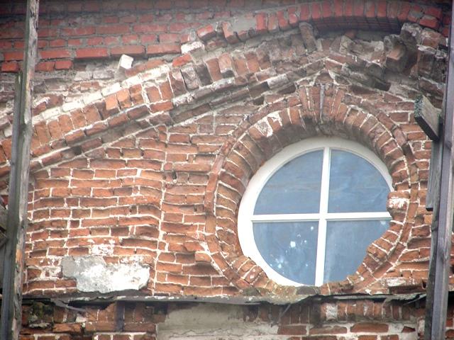 Бывает и такой стиль: Снято, Церковь, времени, сентября, района, классицизм, архитектуры, остатках, только, крайности, России, Когда, расписывают, внутри, церкви, классические, барочные, доломанных, отражается, всякие
