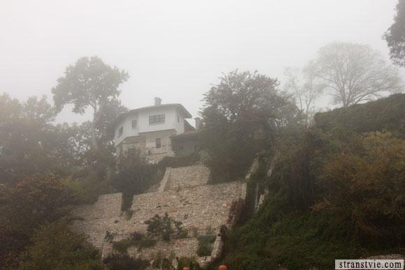 домик в тумане
