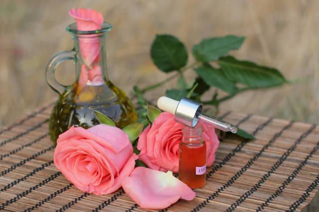 Розы с духами