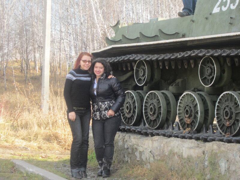 Девушки и танк (15.11.2013)