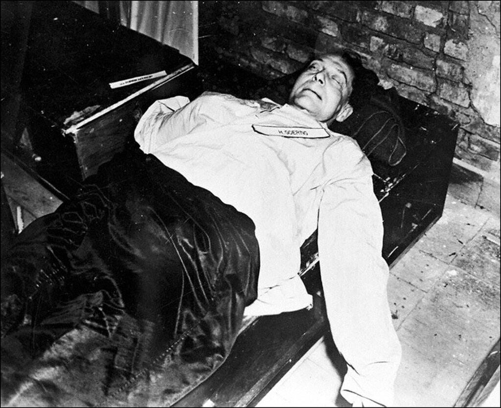 гитлер умер в 1991 году приколы