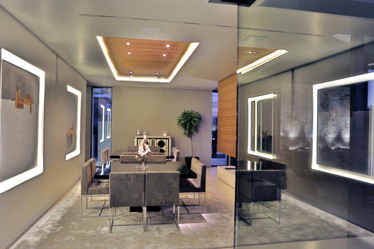 A-cero, особняк в Мадриде, частные дома в Испании, Balcony House, трехэтажный особняк A-cero, LED-подсветка в доме, сдержанный интерьер, белый фасад