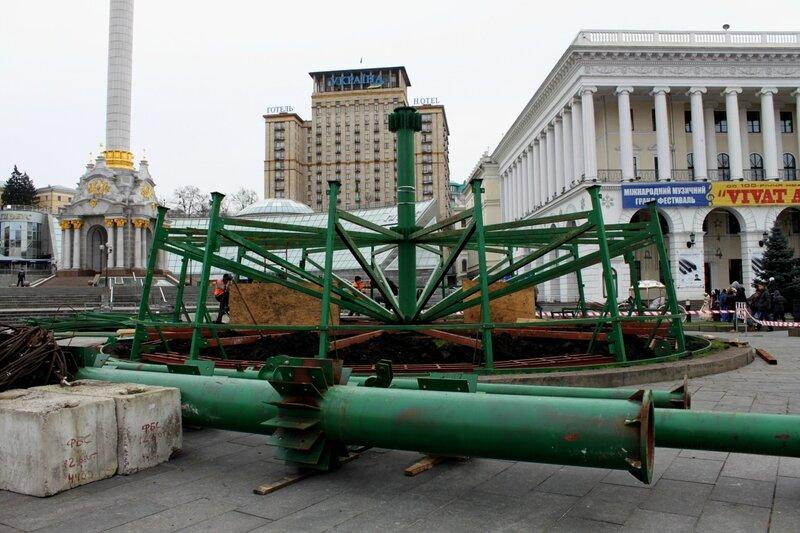 Первый ярус главной елки Киева